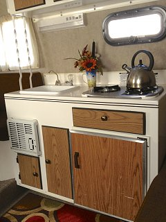 Click image for larger version  Name:Scampy Int Kitchen.jpg Views:42 Size:281.4 KB ID:90224