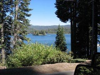 Click image for larger version  Name:Lake.jpg Views:26 Size:37.0 KB ID:9569